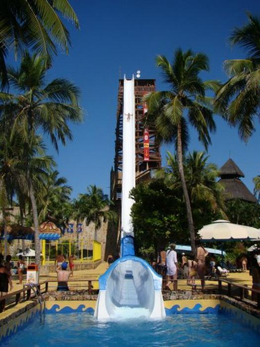 Экстремальные развлечения: самая высокая в мире водная горка Insano