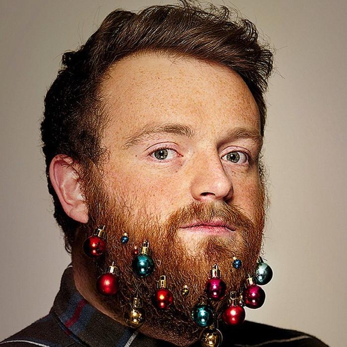 Рождественские украшения для бороды: шуточный проект от Grey London