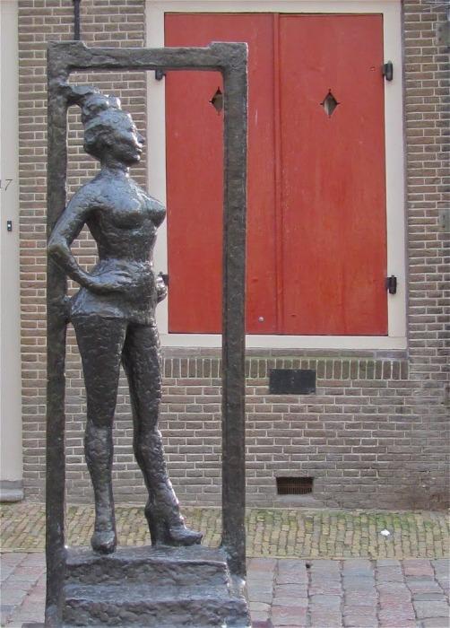 Памятник проститутке, квартал Красных фонарей, Нидерланды