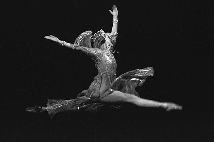 Наталия Бессмертнова в роли Анастасии в сцене из балета С.С.Прокофьева «Иван Грозный». Фото: ria.ru