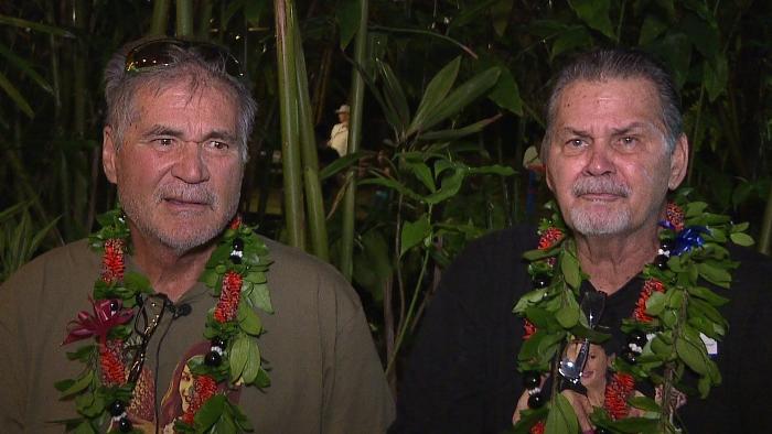Алан и Уолтер узнали, что они братья.