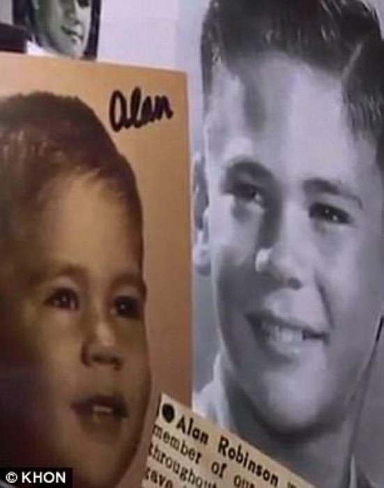 Детские фотографии Алана и Уолтера.