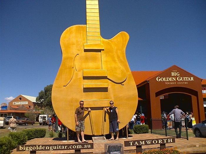 Гигантские памятники в Австралии