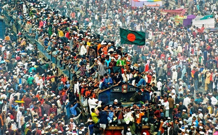 Поезд сошел с рельсов в Индии: около 100 погибших, более 200 ранены - Цензор.НЕТ 683