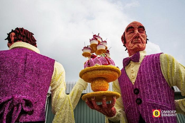 Механические скульптуры на фестивале Bloemencorso-2014