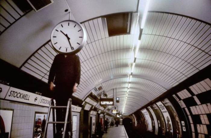 Сюрреалистические картины в лондонском метро