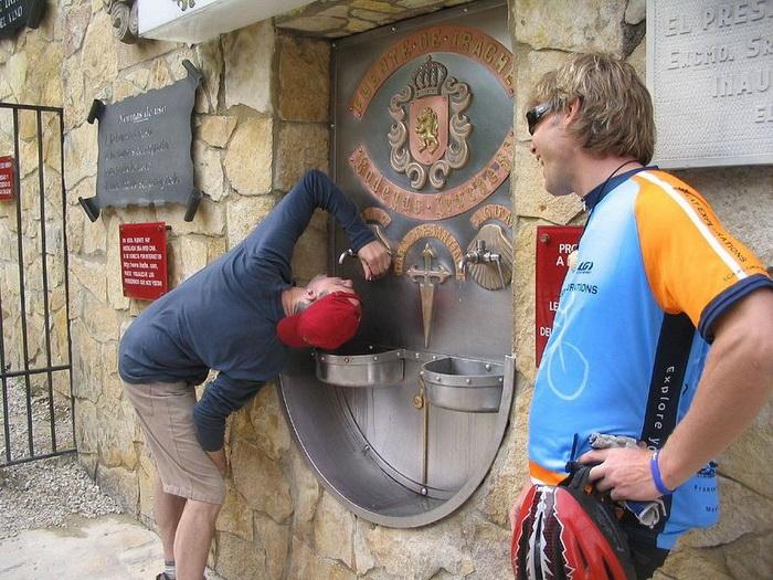 Винный фонтан в Италии: чудеса да и только!