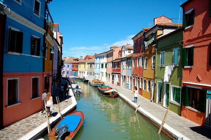 Разноцветные дома Бурано (Италия)