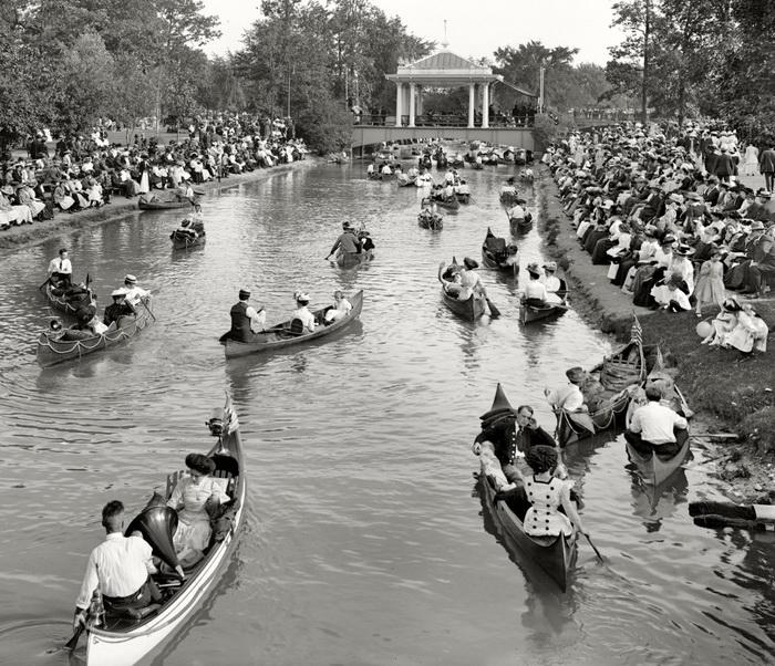 Детройт, Гранд канал, 1907 год. Сотни пар, выехавших на прогулку