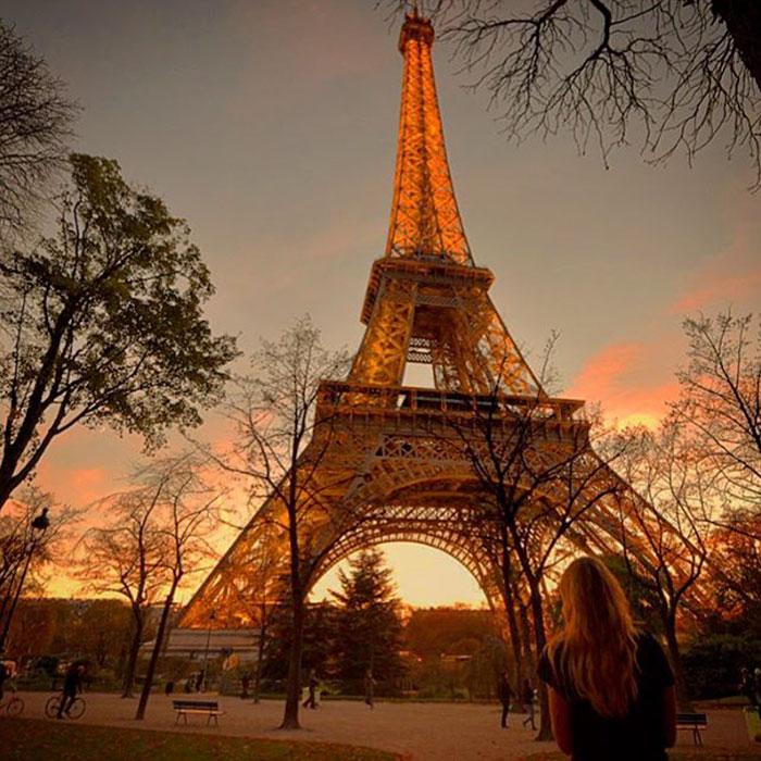 Эйфелева башня в красках заката