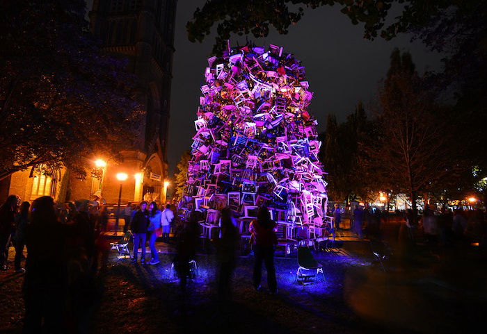Инсталляция Тадаши Кавамата (Tadashi Kawamata) на фестивале Scotiabank Nuit Blanche