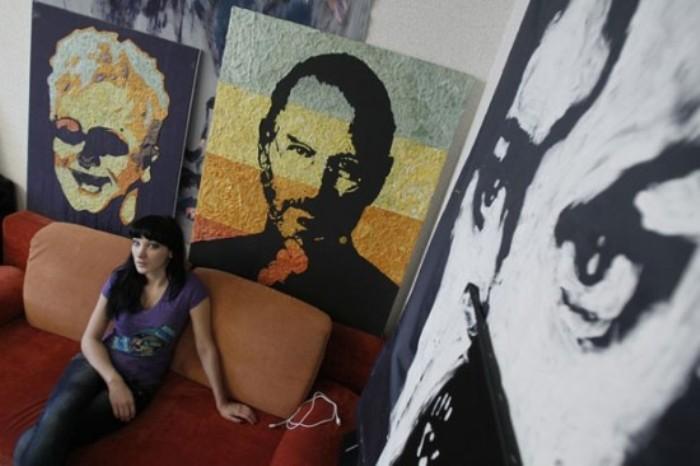 Анна Матвеева - автор портрета Стива Джобса из жевательных резинок