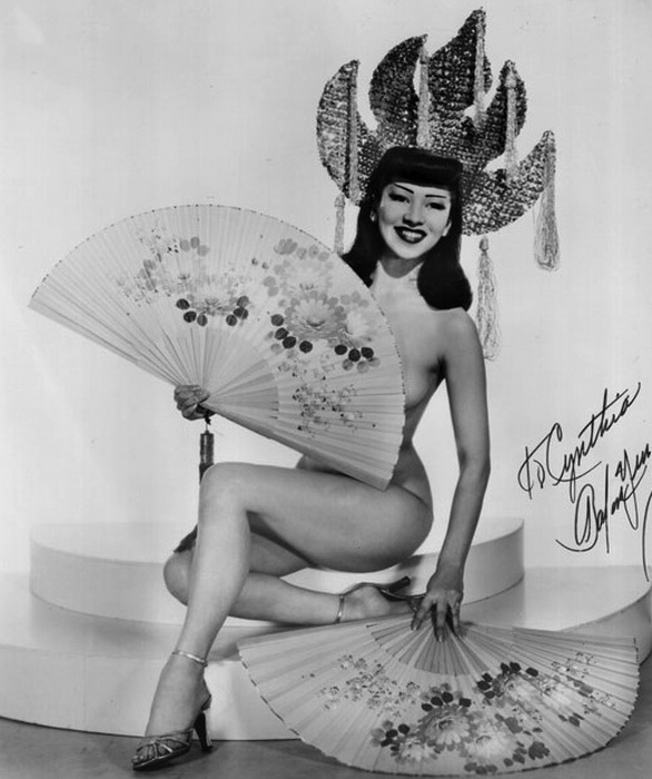 Barbara Yung, одна из самых известных танцовщиц бурлеска, 1940-е годы