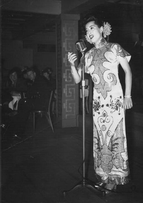 Певица Elly Chui