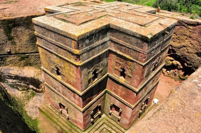 Монолитные церкви в г. Лалибэла (Эфиопия)