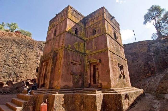 Крестообразная церковь Святого Георгия