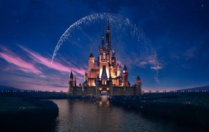 Замок Золушки - символ фильмов Уолта Диснея.