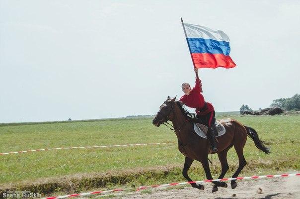 Анастасия Максимова с детства занималась верховой ездой. Фото: E-news.su