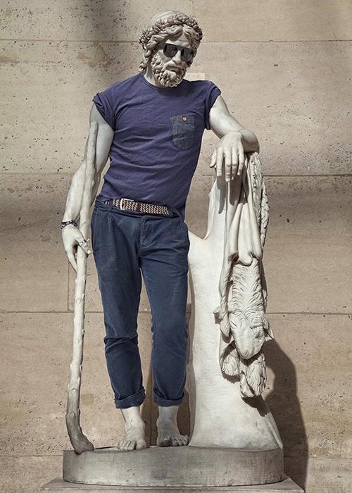 Одетая статуя от Лео Калларда