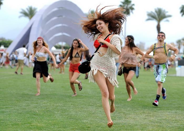 Счастливцы, попавшие на Фестиваль музыки и искусств в долине Коачелла