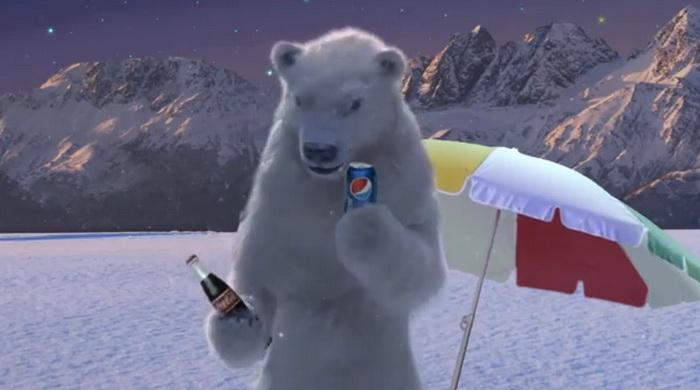 Белый медведь – символ Coca–Cola – выбирает Pepsi