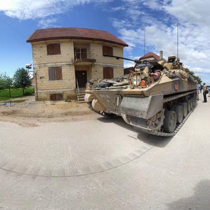 Военные учение в деревне Коупхилл Даун
