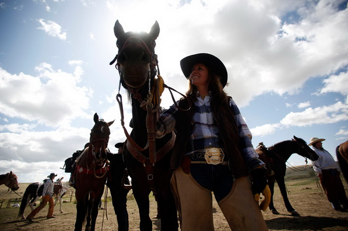 Компания *Montana Horses* активно поддерживает американские традиции