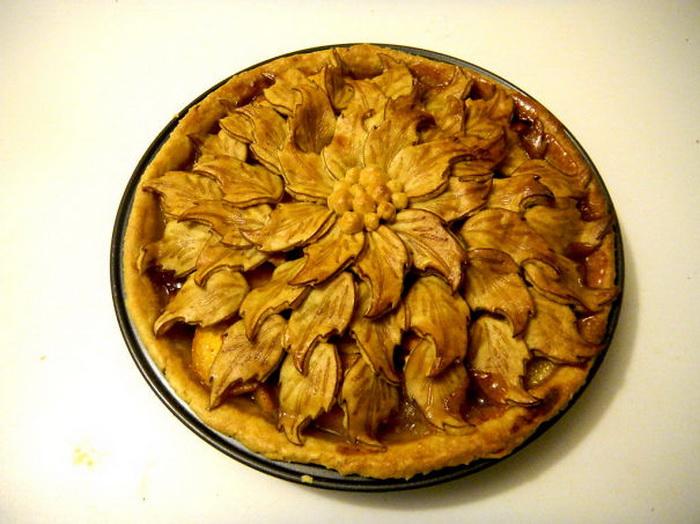Пирог, напоминающий резьбу по дереву