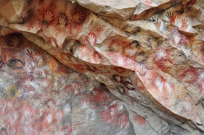 Пещера рук в Патагонии - крупнейший доисторический памятник наскальной живописи