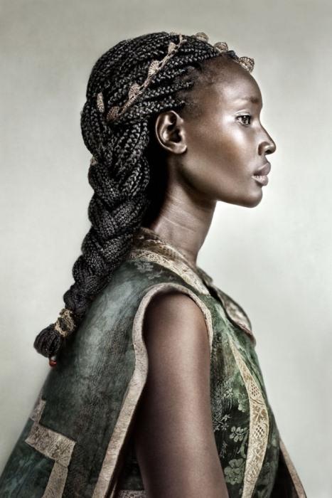 Портрет Чаилы, мигрантки из Экваториальной Гвинеи.