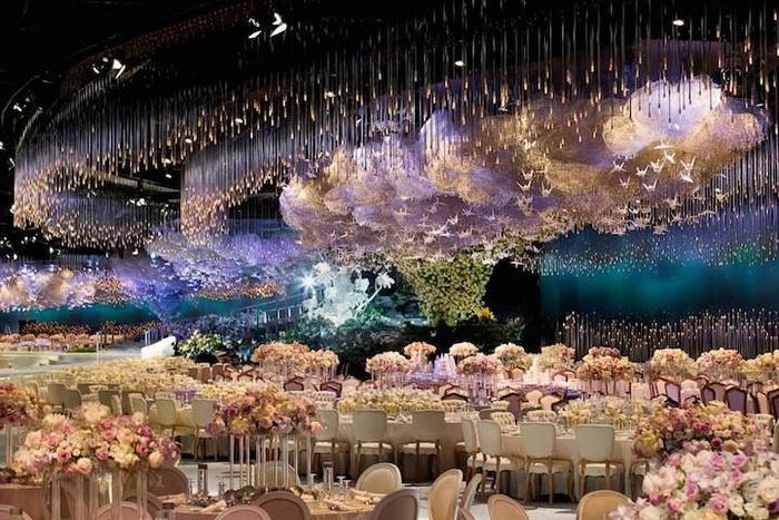 Роскошный дизайн банкетного зала для свадьбы