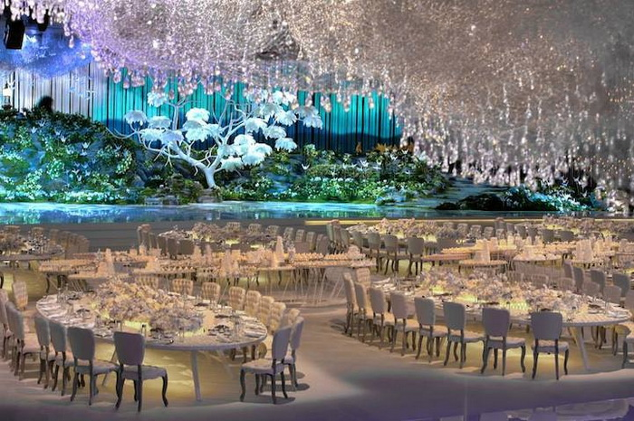 Свадебный интерьер: сногсшибательный банкетный зал