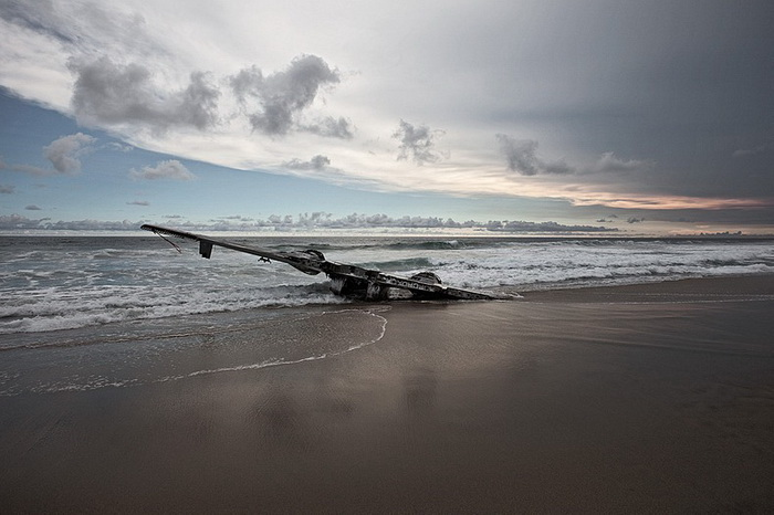 Фотопроект Дитмара Эккеля о *счастливых* авиационных катастрофах