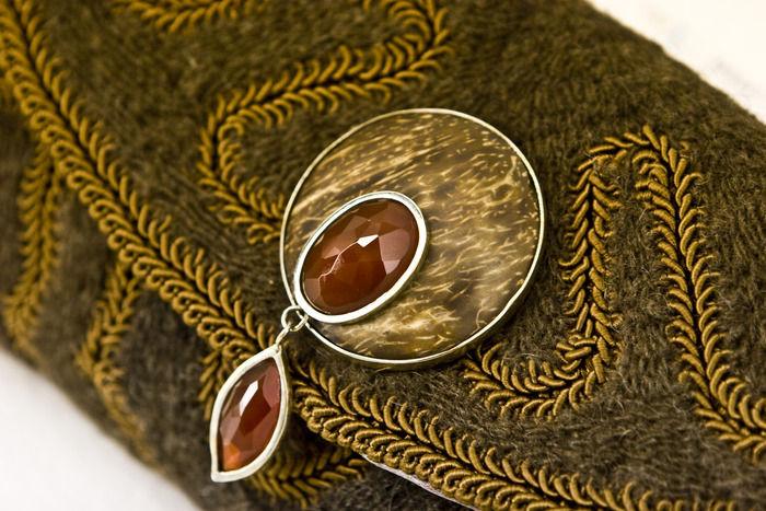 Женские сумочки из собачьей шерсти от дищайнера Дорис Карвальо (Doris Carvalho)