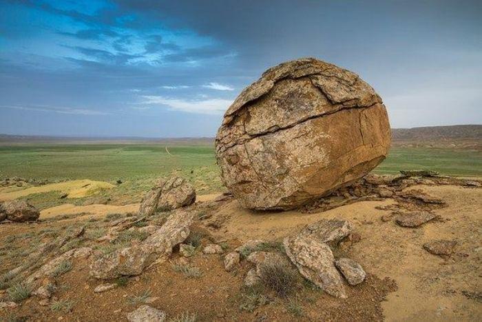 Долина шаров в Казахстане - загадочное место