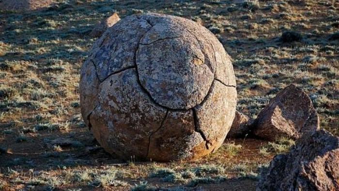 Таинственные каменные шары