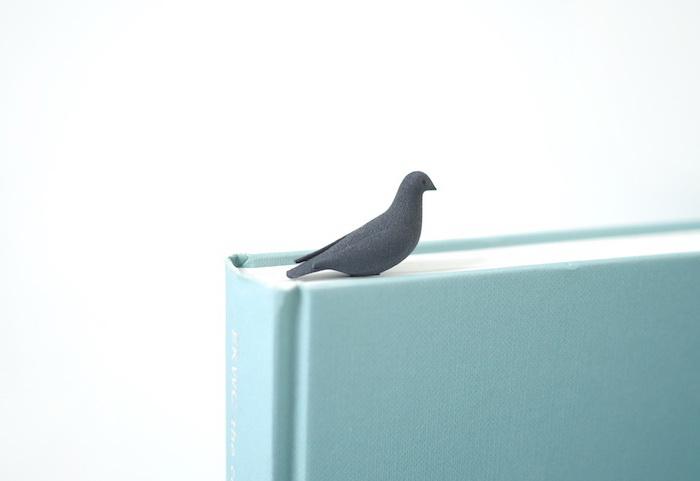 Оригинальная закладка для книг в виде голубя