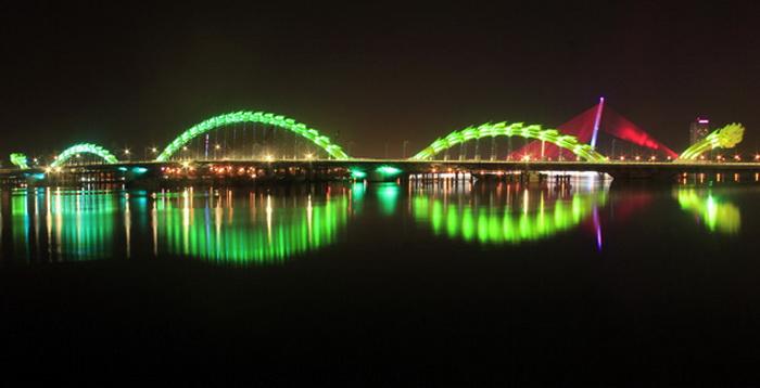 Мост *Огнедышащий дракон* во Вьетнаме