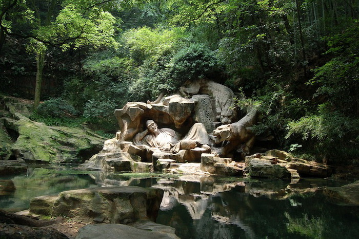 *Тигровый родник* в городе Ханчжоу (Китай)