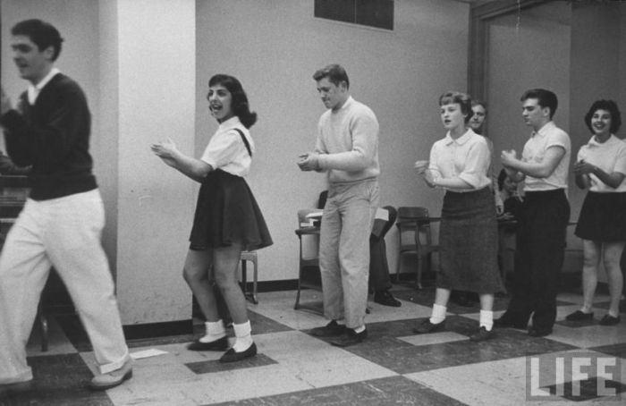 Любительский кружок танцев.