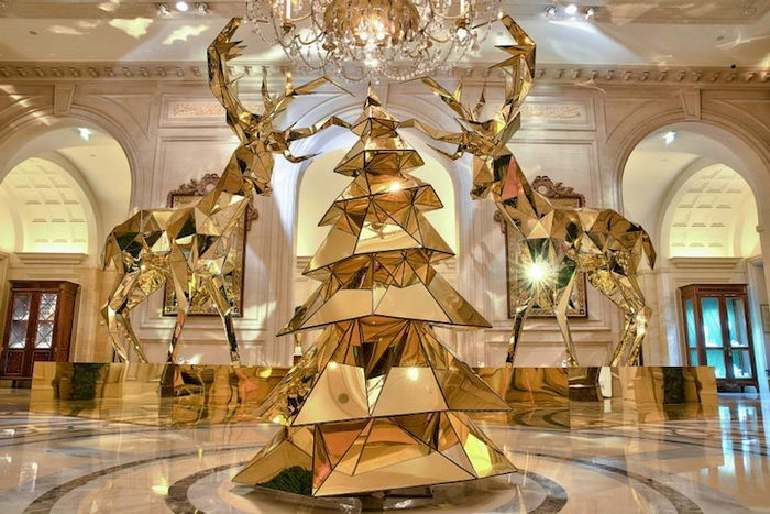 Золотые олени в отеле Four Seasons Hotel George V