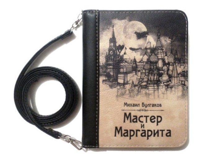 Оригинальный дизайн клатча, вдохновленный романом *Мастер и Маргарита* М.Булгакова