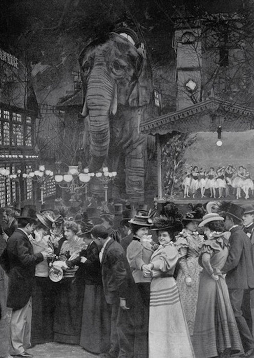 Слон в саду Мулен Руж