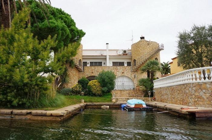 Город Эмпуриабрава - испанская Венеция