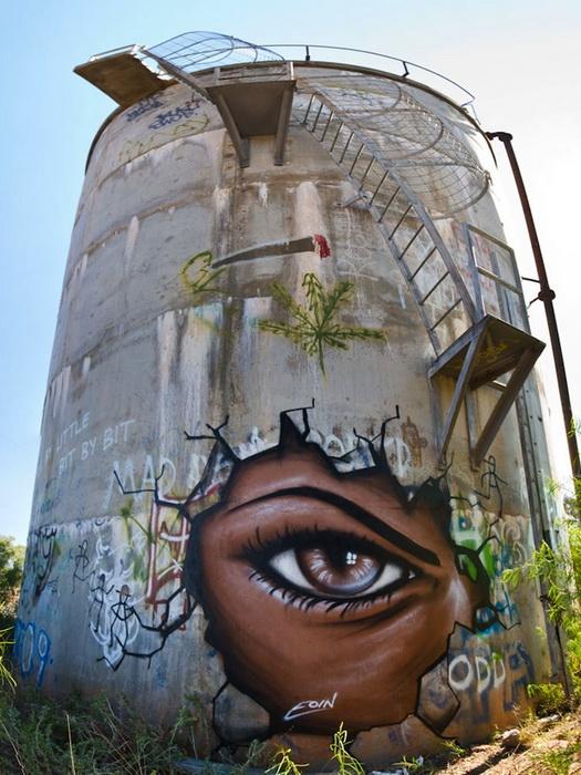 Завораживающие глаза на рисунках уличного художника Eoin