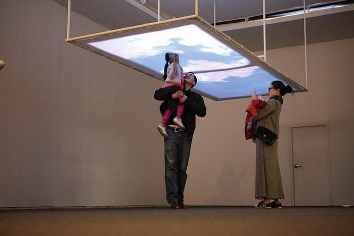 Розовое облако: мультимедийная инсталляция от арт-тандема Everyware