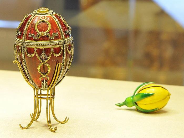 Яйцо с бутоном розы, Фаберже, 1895