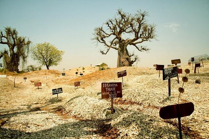 Кладбище - главняа достопримечательность Жоаль-Фадиут