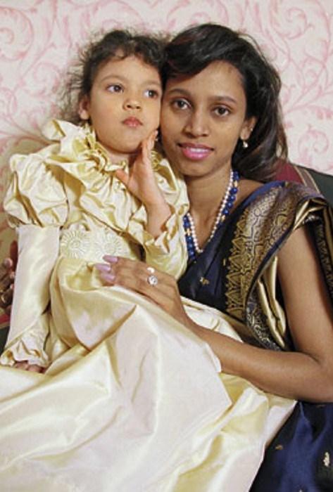 Фариида Бондаренко с дочерью Сунитой (Софией). Фото: profile.ru