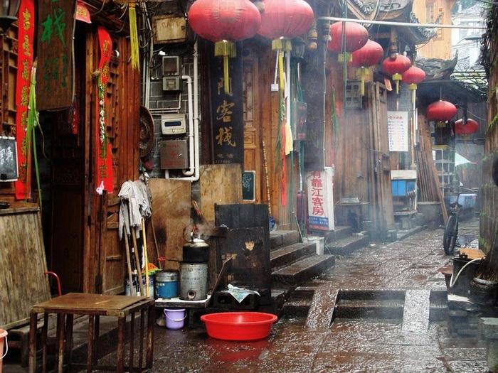 В Фенхуан время буквально замерло